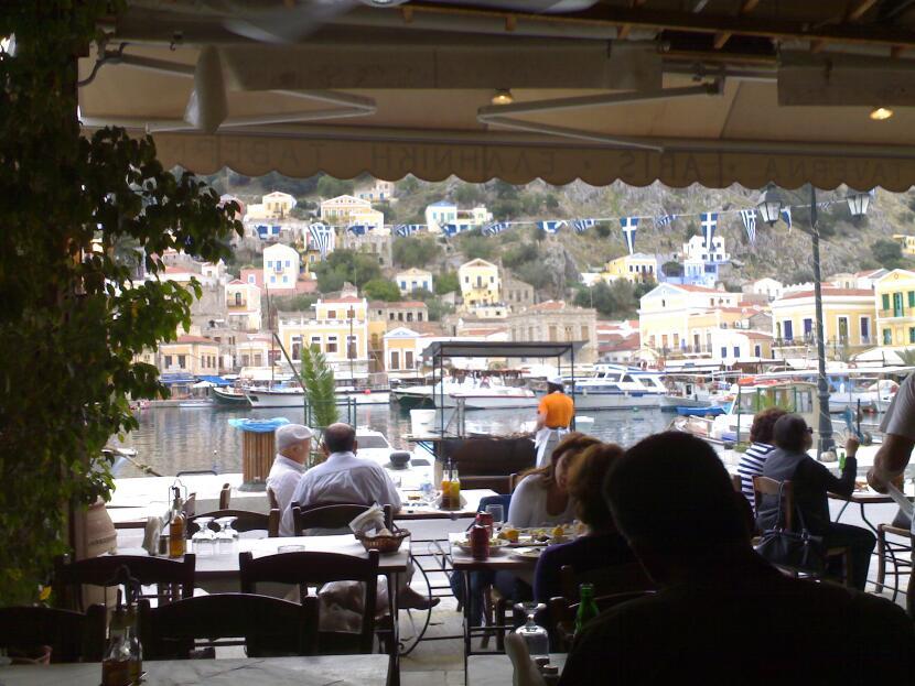 manos_restaurant-03